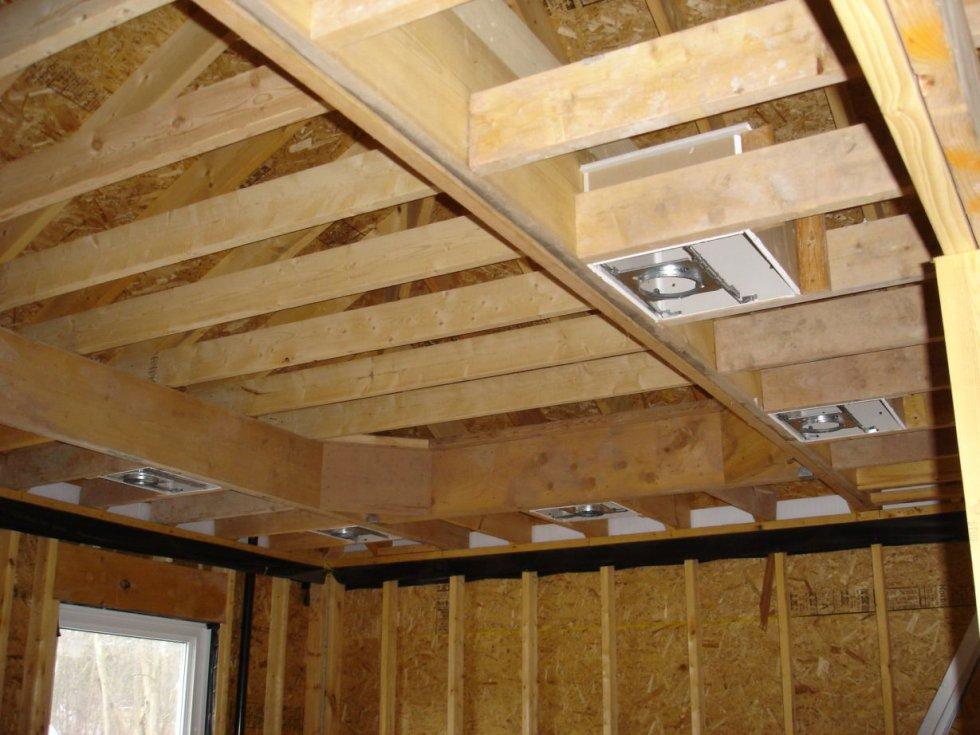 Потолок каркасного дома