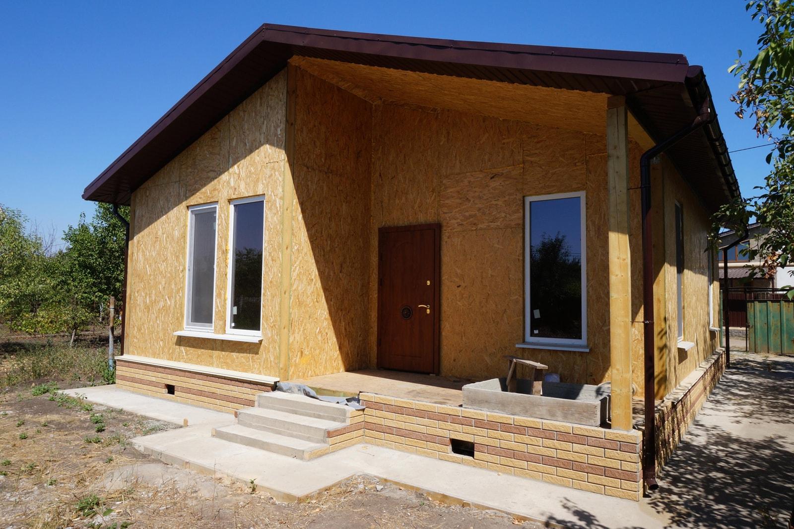 Постройка дачного дома из СИП панелей