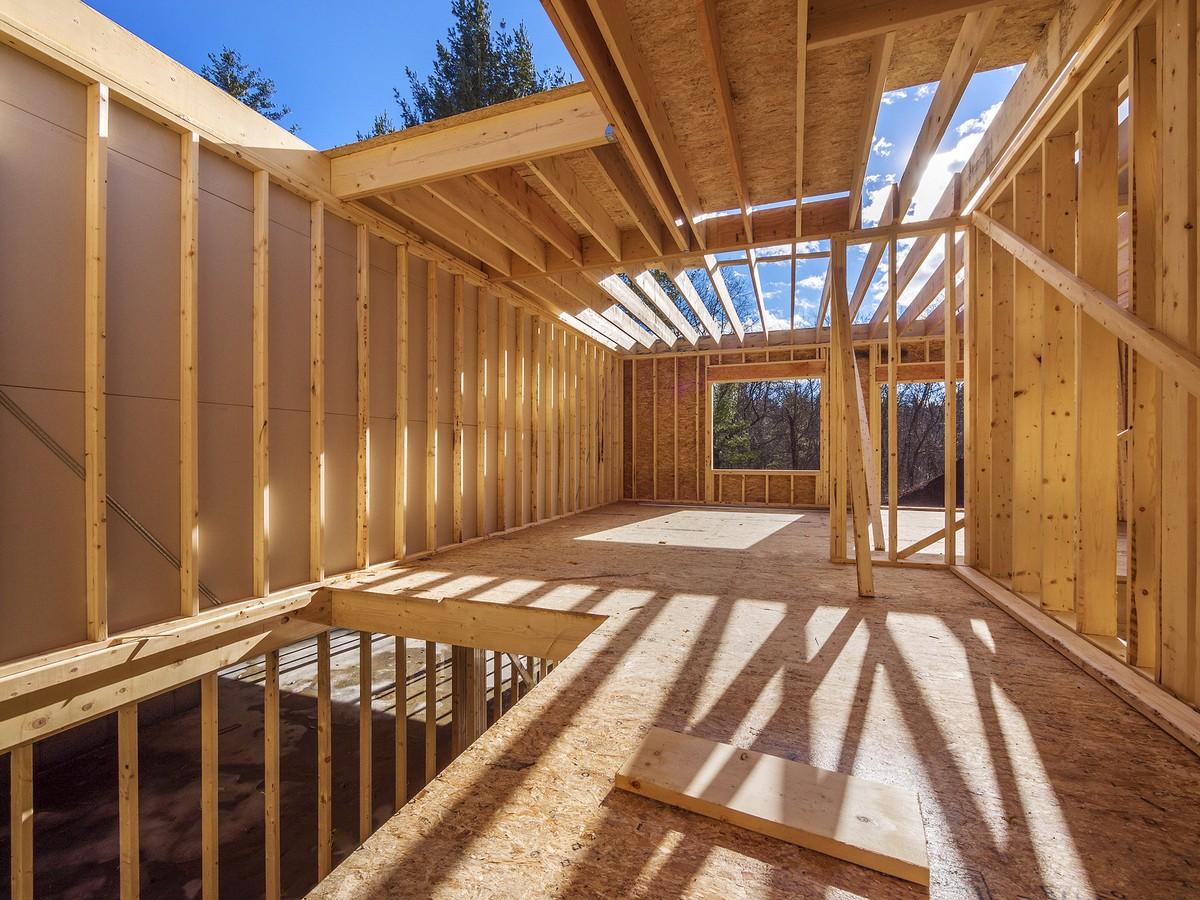 Каркасный дом на этапе строительства